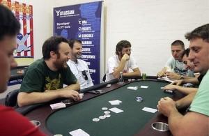 ia o pauza de la poker